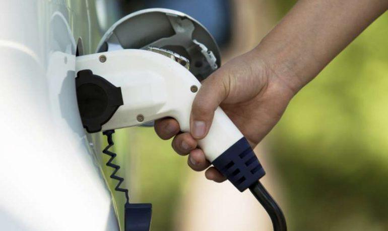 Incentivos na aquisição de veículos com tração 100% elétrica